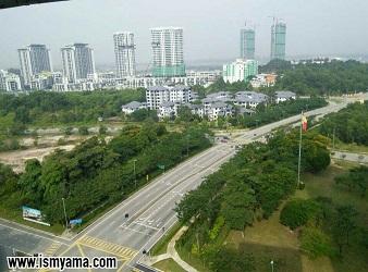 Lihat gedung tinggi dan apartemennya