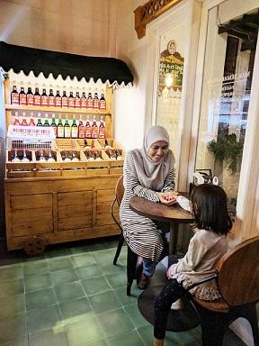Penampakan resto Mak Semarangan