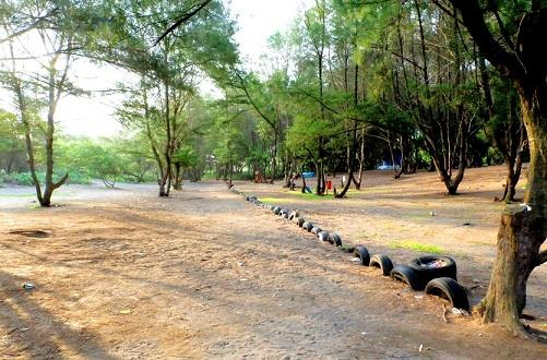 outbond di Pantai Goa Cemara