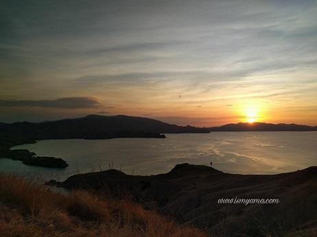 sunset di Gili Lawa