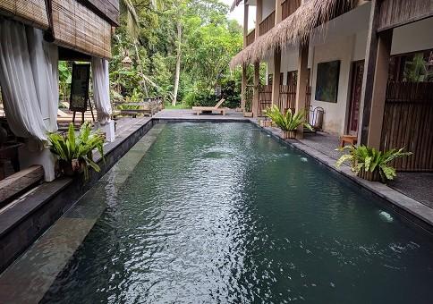 kolam alam sembuwuk resort