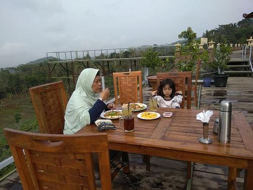 makan di batur hill