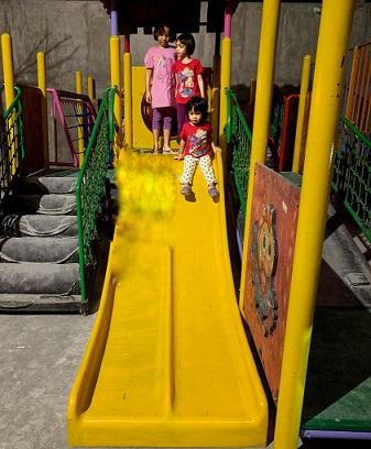 playground momong resto