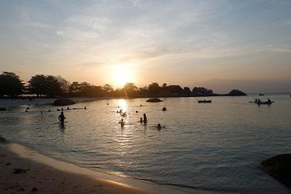 senja di Pantai Tanjung Tinggi