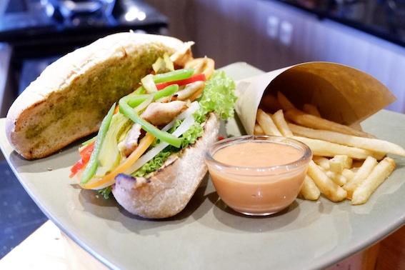 favorito sandwich ibis malioboro