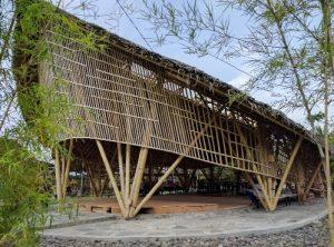 Bamboo Hall Ayam Ingkung Kuali Jogja